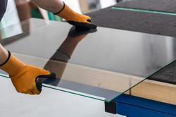 Glass factory, Glazier lifting that tabl