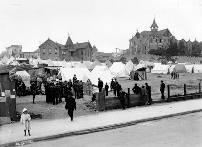 An evacuee camp in San Francisco, 1906.