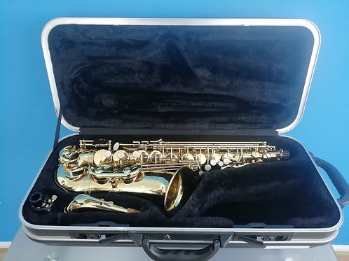 Reconditioned Earlham (231***) Pro Series II Alto Saxophone