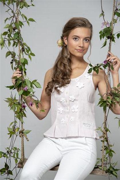 Top elegante Rosa con fiorellini bianchi