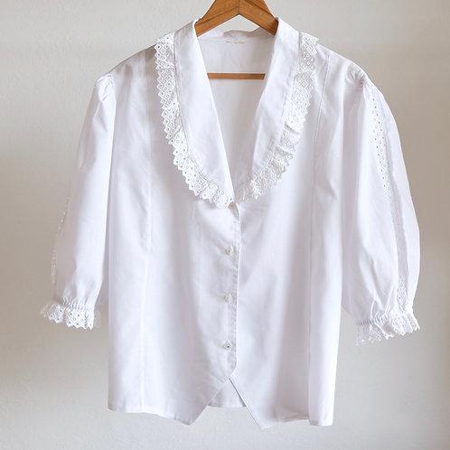 Bílá halenka s krajkovým límečkem L/XL