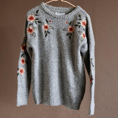 Šedý svetr s květinami 7-8y