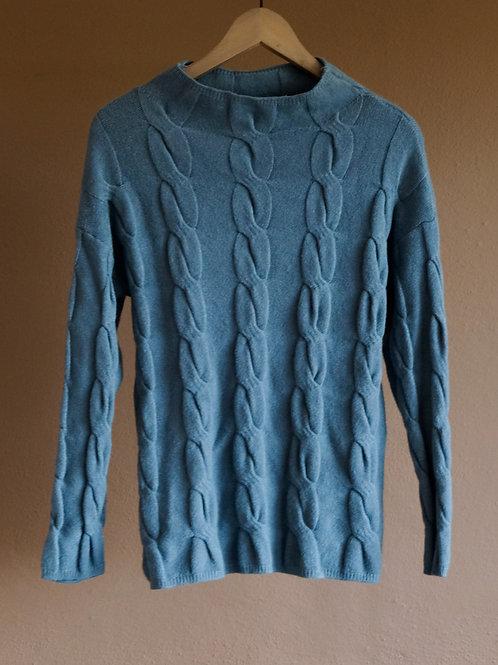 Modrý svetr se zapleteným vzorem - M