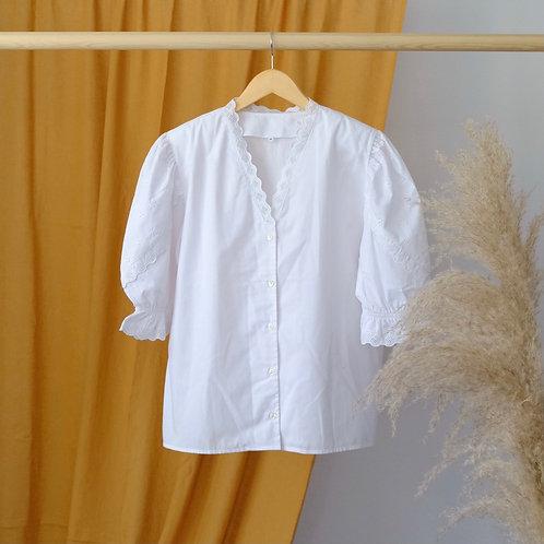 Bílá košile s krajkou a balonovými rukávy - M