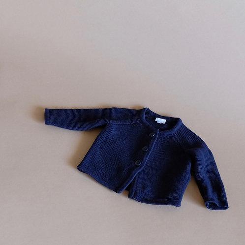 Tmavě modrý propínací svetr 0-3m