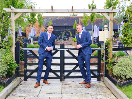 Emma & Scott's Wedding - The Barnyard, Sittingbourne