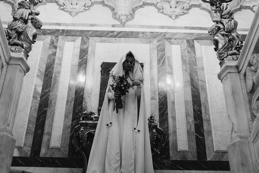 novia capucha