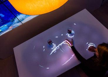 QUAN - Projektion - Lampe Restaurant 2.j