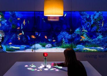 QUAN - Projektion - Lampe Restaurant.jpg