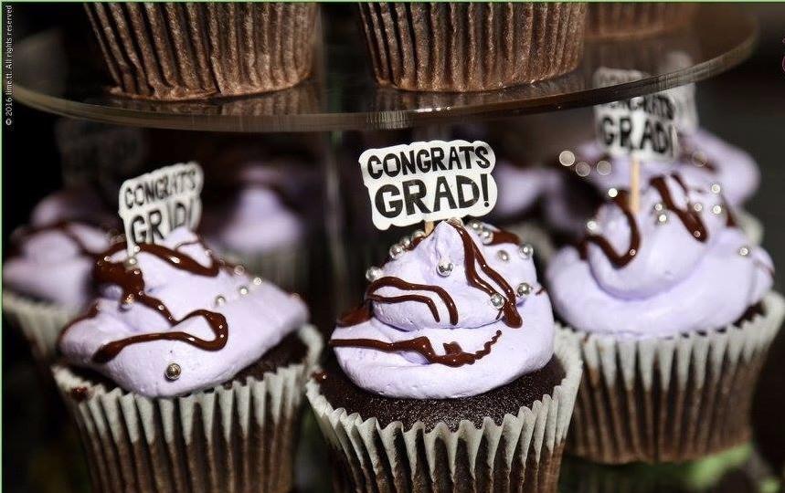 Congrats Grad! Graduation Themed Cupcakes