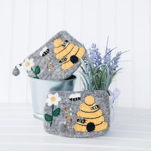 Bee Clutch Purse Set