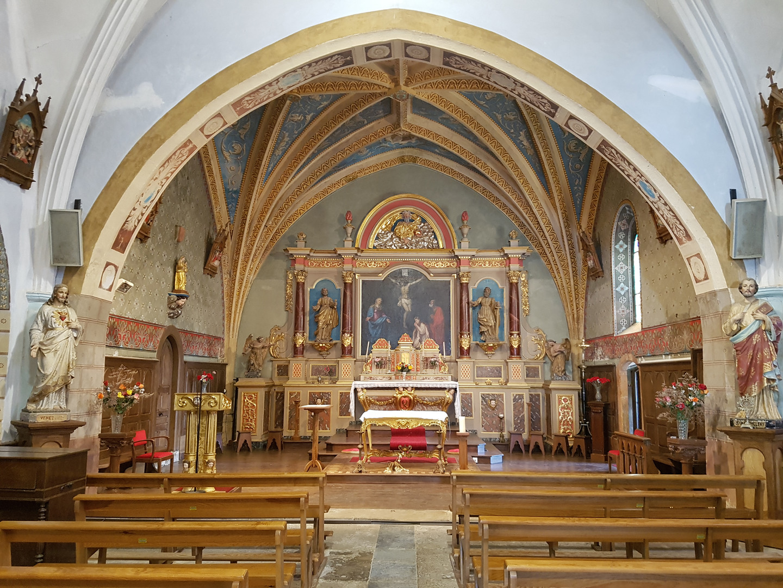 Autel_de_l'église.jpg