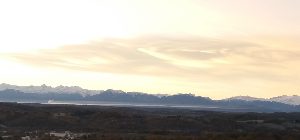 Les pyrénées vues depuis Thermes-Magnoac