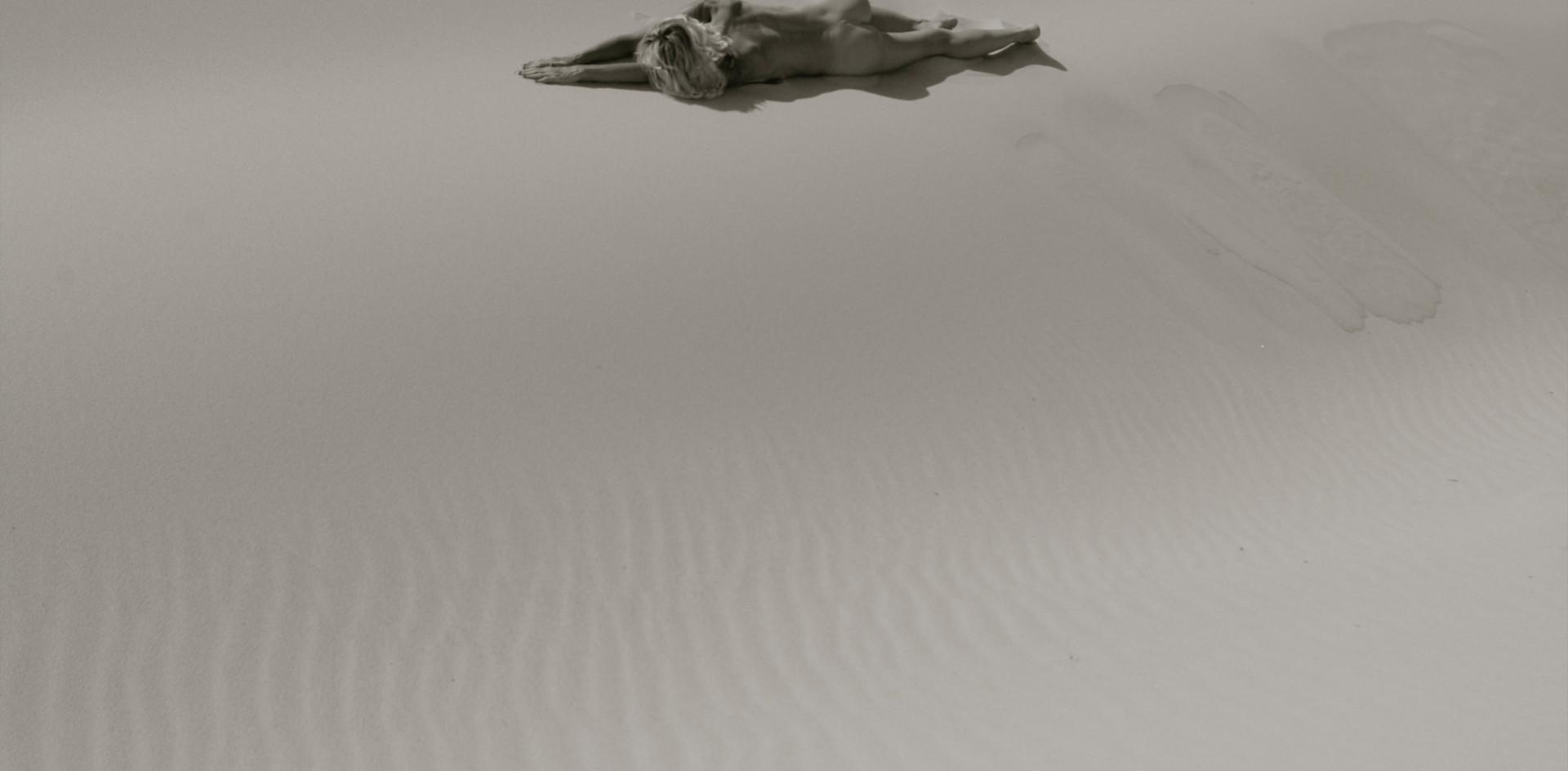 Nude dune