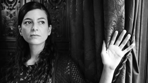 """""""EL RELATO SE COMPLETA EN LA CABEZA DEL LECTOR"""", SAMANTA SCHEWLIN"""