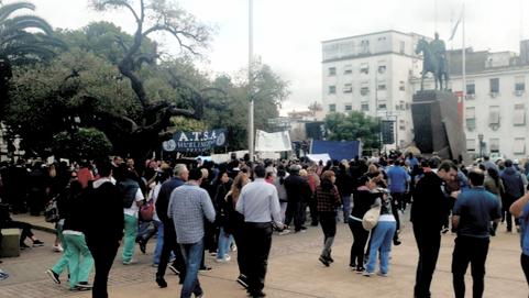 TRABAJADORES DE LA SANIDAD SE MANIFESTARON EN MORÓN