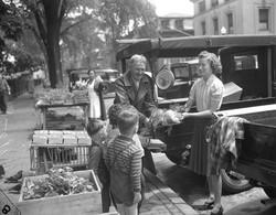 Portland Farmers' Market 1940
