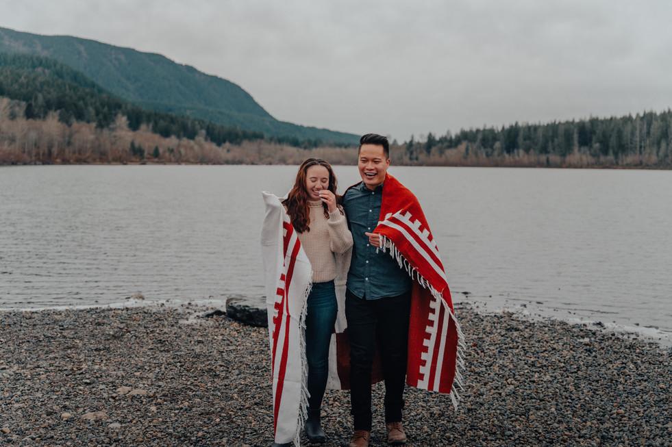 Seattle, North Bend, Engagement, Rattlesnake, Lake, Blanket, Boyfriend, Girlfriend, Smile, Photographer, PNW