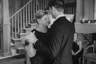 Seattle, Wedding, Groom, Mother of the Groom, Mother, Son, Dance, Dancing, PNW, Photographer
