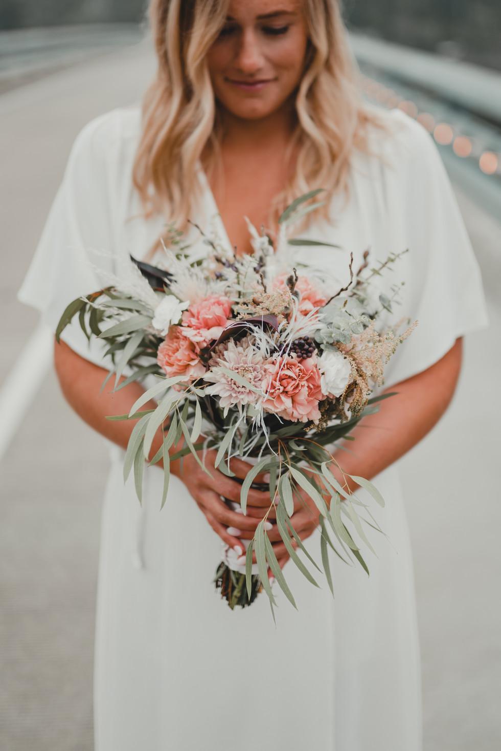Seattle, Wedding, Elopement, Bride, Dress, Bouquet, PNW, Photographer