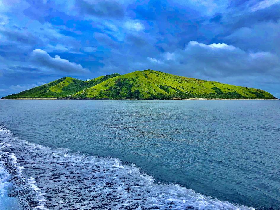 Storm sailing Fiji
