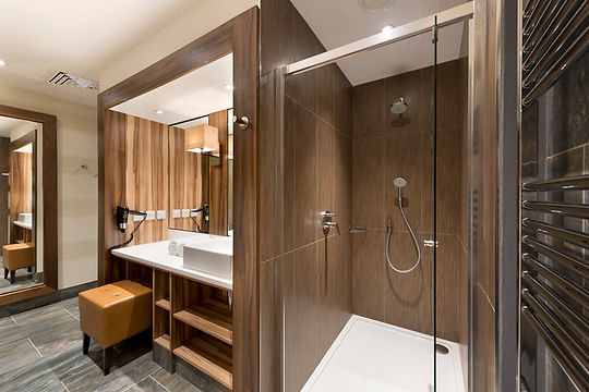 WB_Hotel_Double_Bathroom_03.jpg