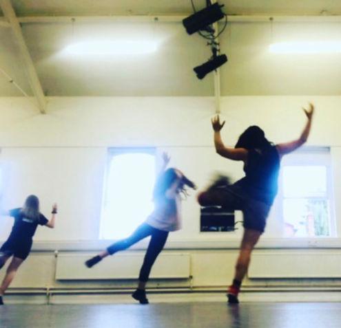 mary-savva-dance