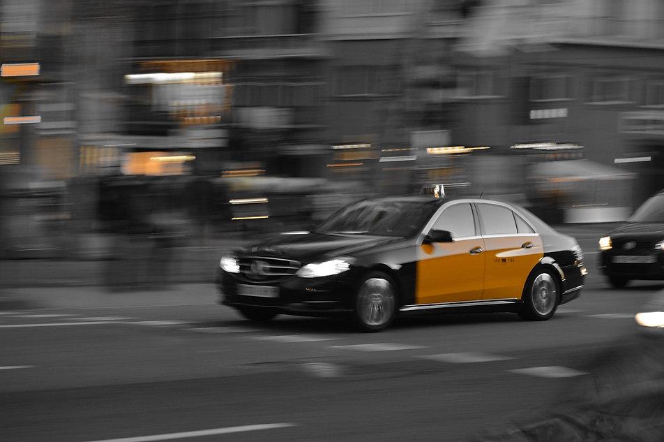 taxi-1681560_1280.jpg