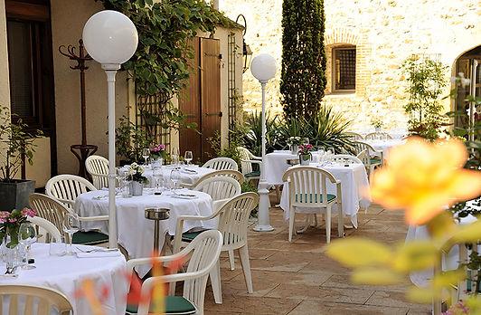 208568_restaurant-cygne-de-la-croix-2.jp