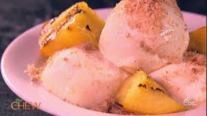 Grilled Peach Frozen Yogurt Sundae