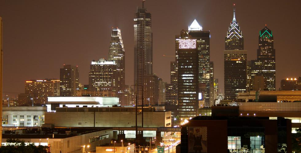 Philadelphia_Night_Skyline.jpg