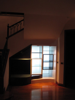 understairs-despues-night
