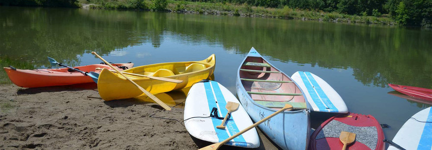 Canoes, kayaks, paddle boards...oh my.jp