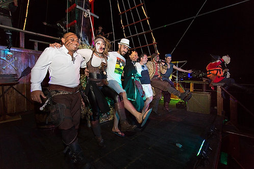 Jolly Roger pirate dinner cruise & show