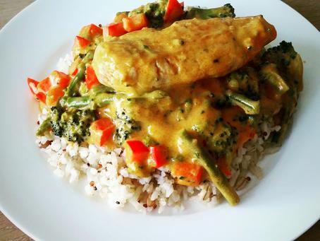Rode Curry met zilvervliesrijst + quinoa en granen.