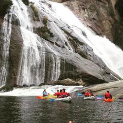 Cascada de Ezaro en kayak