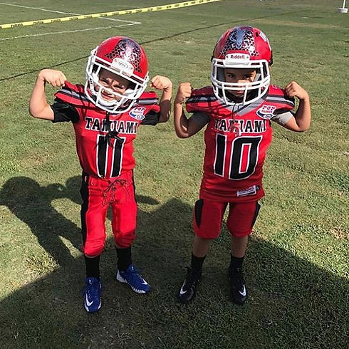 _tamiamicoltfootball little guys flexing