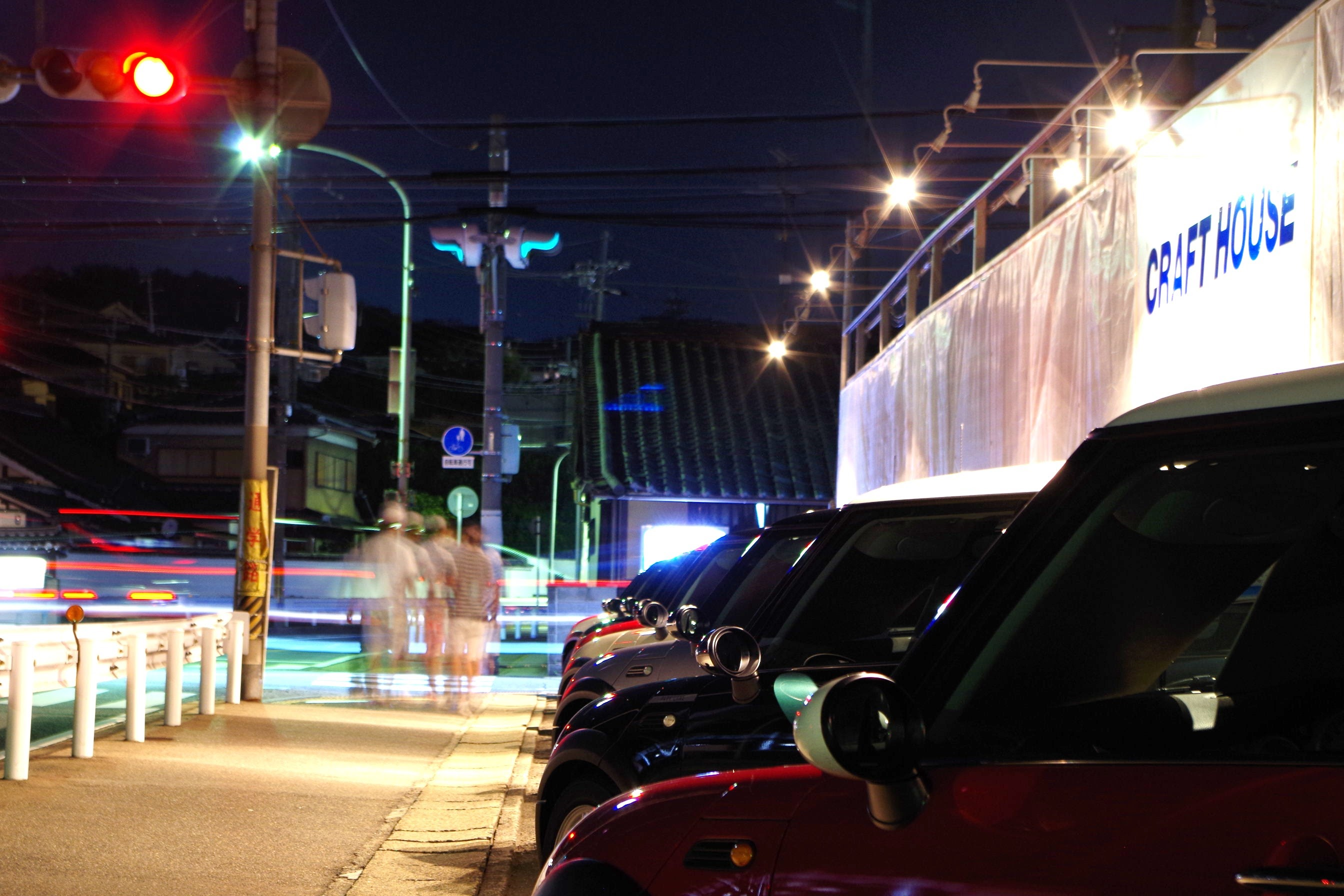 BMWミニ専門店 展示場夜景