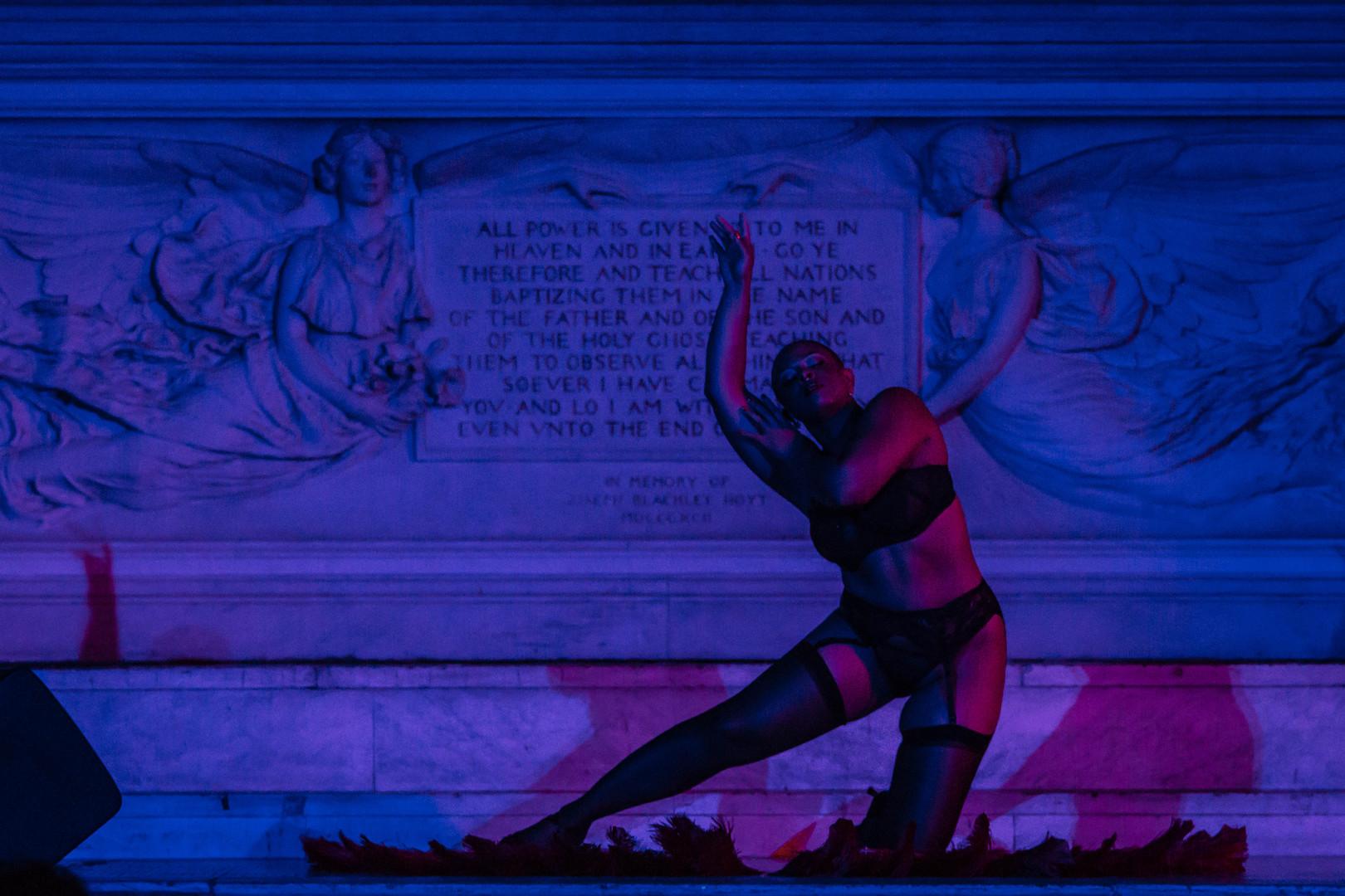 sassaBrass Burlesque Fan Dance