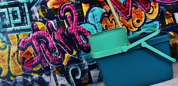 graffiti-2023846_1920.jpg