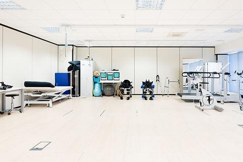 Centro neurorehabilitación con exoesqueletos