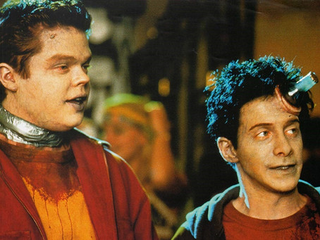 Idle Hands(Review)[Twisted Throwback Thursday]