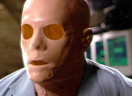 Hollow Man(Review)[Twisted Throwback Thursday]