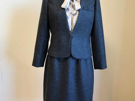 伊太利亜産ウールカルゼの上品スーツ