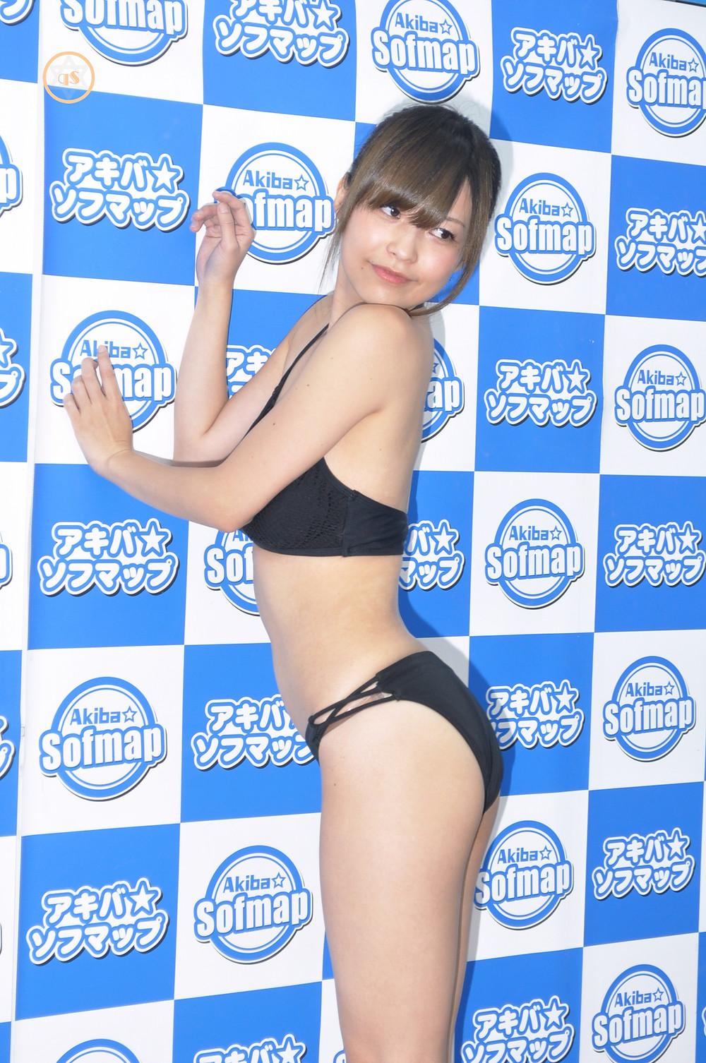 巨乳Gカップのグラビアアイドル・月野夏海