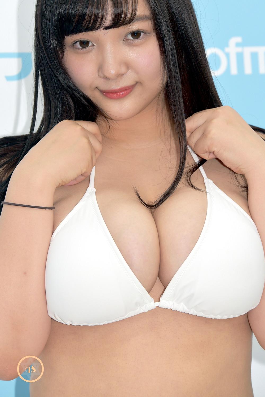 爆乳Jカップグラドル工藤唯『美少女伝説』DVD