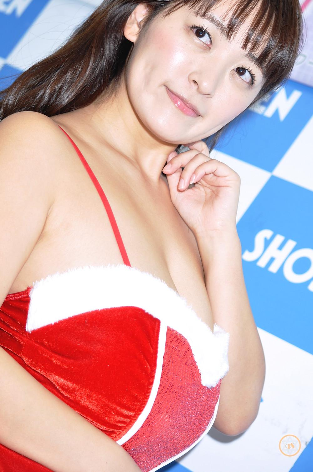 超爆乳グラビアアイドル柳瀬早紀『2018年カレンダー/㈱ハゴロモ』発売記念イベント (1)