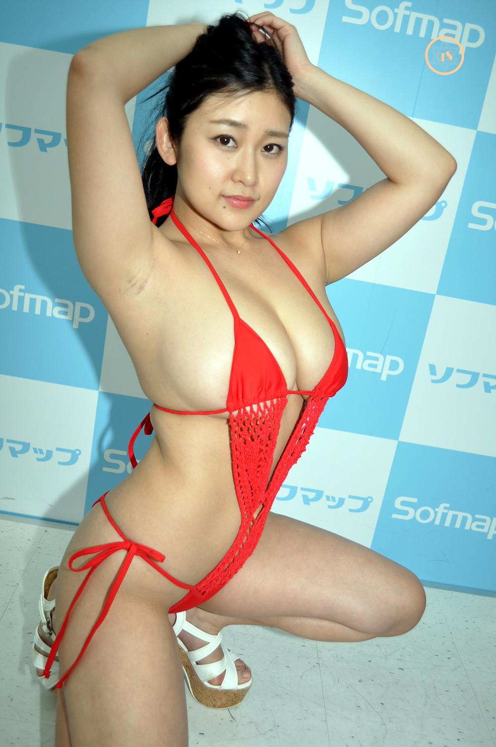 巨乳Gカップグラドル深井彩夏『熱視線/クレイン』DVDBD発売記念イベント (12)