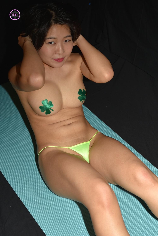美尻桃尻伊波ひふみのTバック限界腹筋