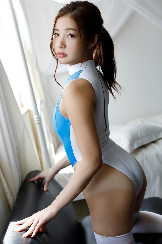 稲垣彩夏の処女作『僕のいいなり』
